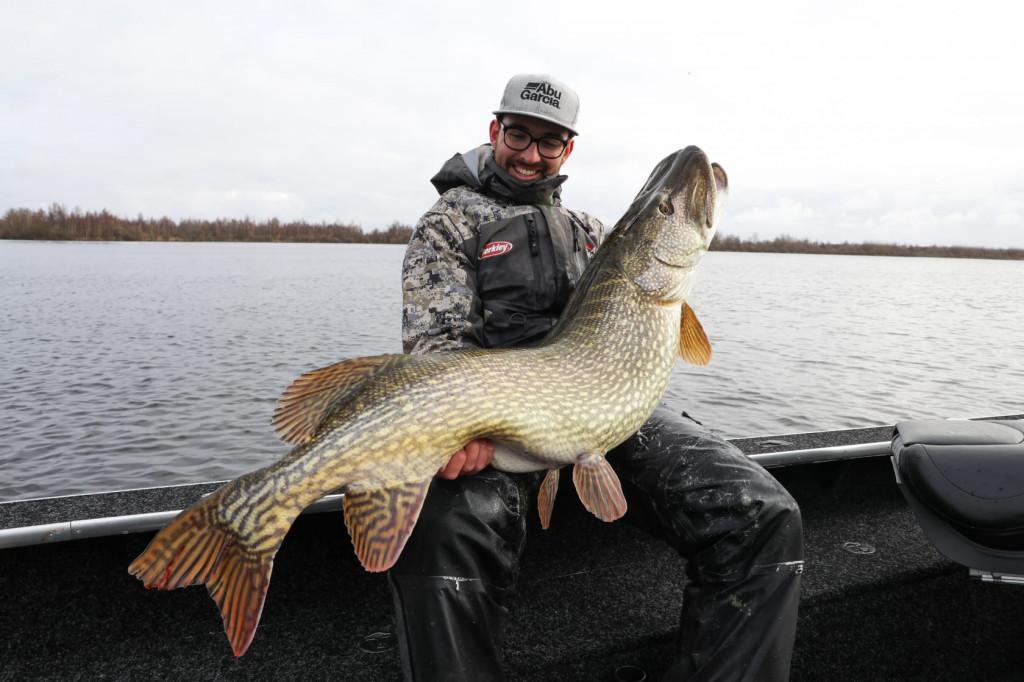 ***Breaking Catch*** Snoek van 133 cm en nog 4 vissen van 130 cm plus