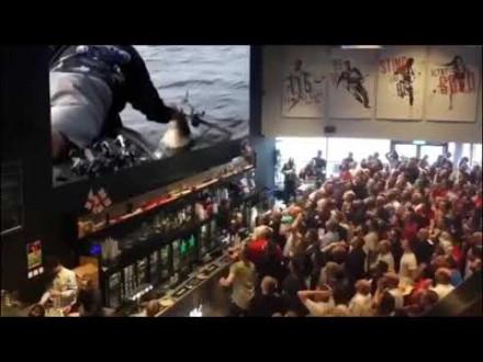 Massa hysterie bij bass wedstrijd
