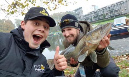 ROOFMEISTER INSIDE – Winnende straatbazen & de wandelende fishfinder encyclopedie