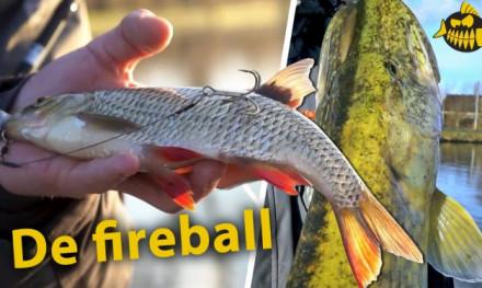Zo bevestig je voorn op de fireball – Zwemblaas lekprikken